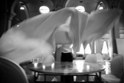 中央公会堂 ウェディング オシャレ オリジナルウェディング アンティークカラー 会場装飾 会場コーディネート 重要文化財 フリーランス プランナー WEDDING DESIGN LAB concept コンセプト m'souer エムスール ウェディングフラワーボトル 席次表