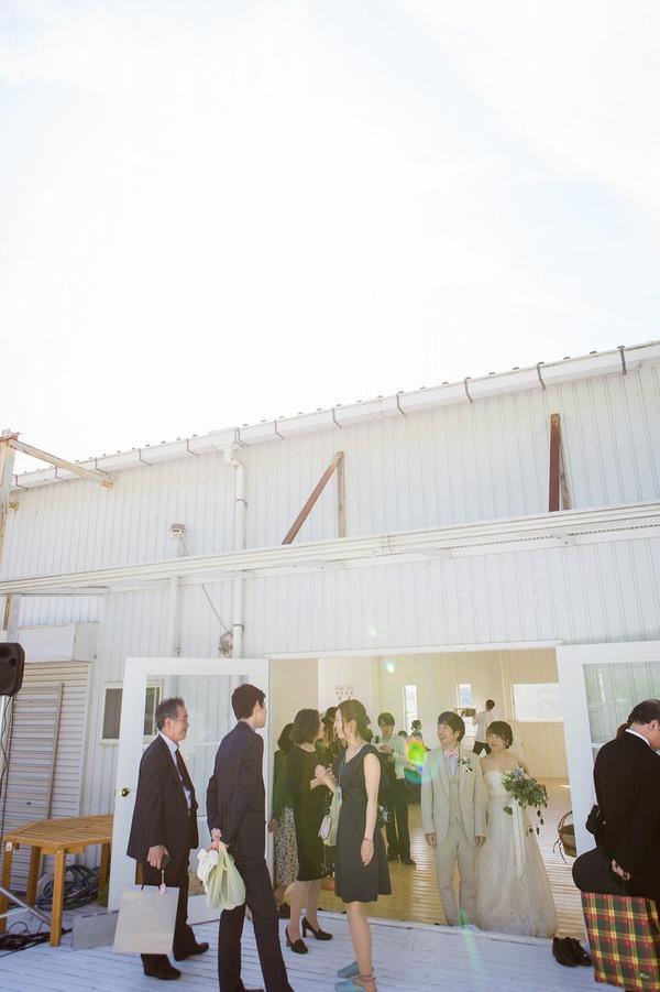 オリジナルウェディング ハウススタジオウェディング 白い会場 1から作り上げるウェディング リングピロー