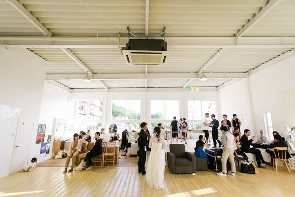 オリジナルウェディング ハウススタジオウェディング 白い会場 1から作り上げるウェディング