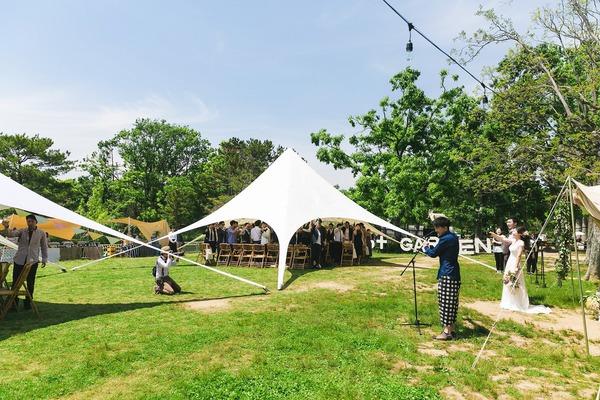 ハンサムボットガーデン アウトドアウェディング グランピングウェディング キャンプウェディング オリジナルウェディング ガーデン挙式 大阪 神戸 京都 ウェディングデザインラボ