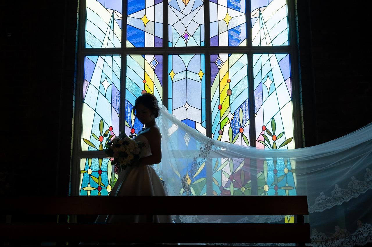 教会ウェディング ステンドグラス